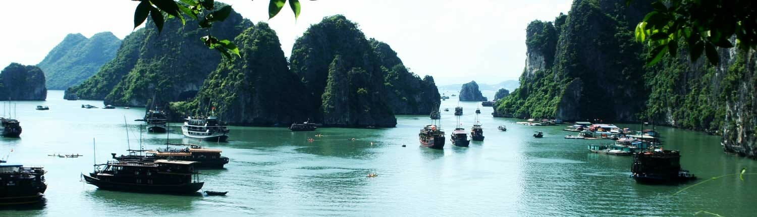 halong-bay-vietnam-tours