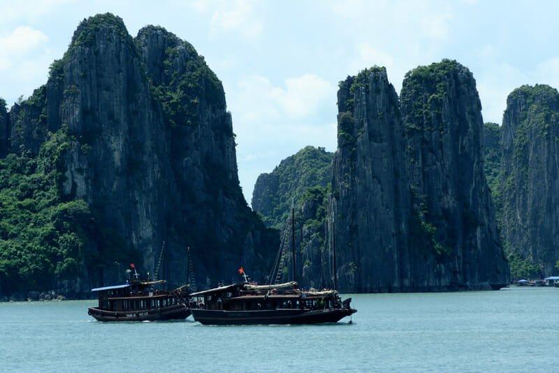 Vietnam Discovery - Vietnam Tours - Vietnam Travel - Halong Bay