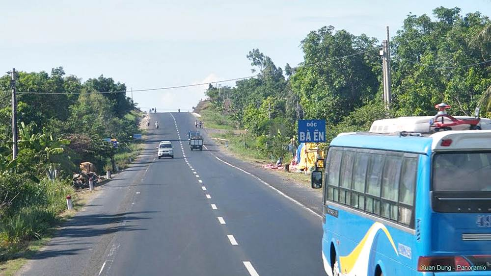 Vietnam cycling tours highway